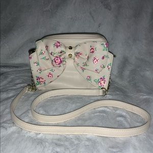 betsey johnson beige crossbody with bow